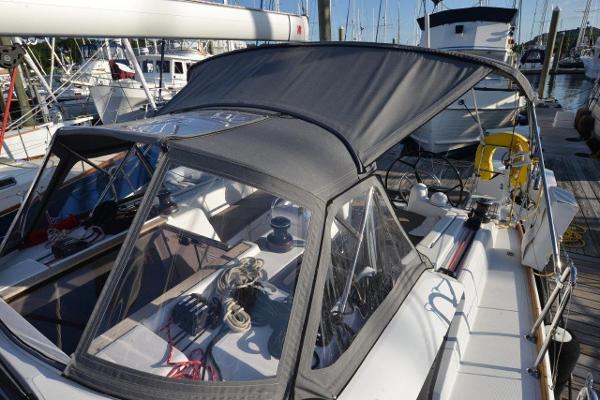 Jeanneau Sun Odyssey 419 For Sale Brokerage