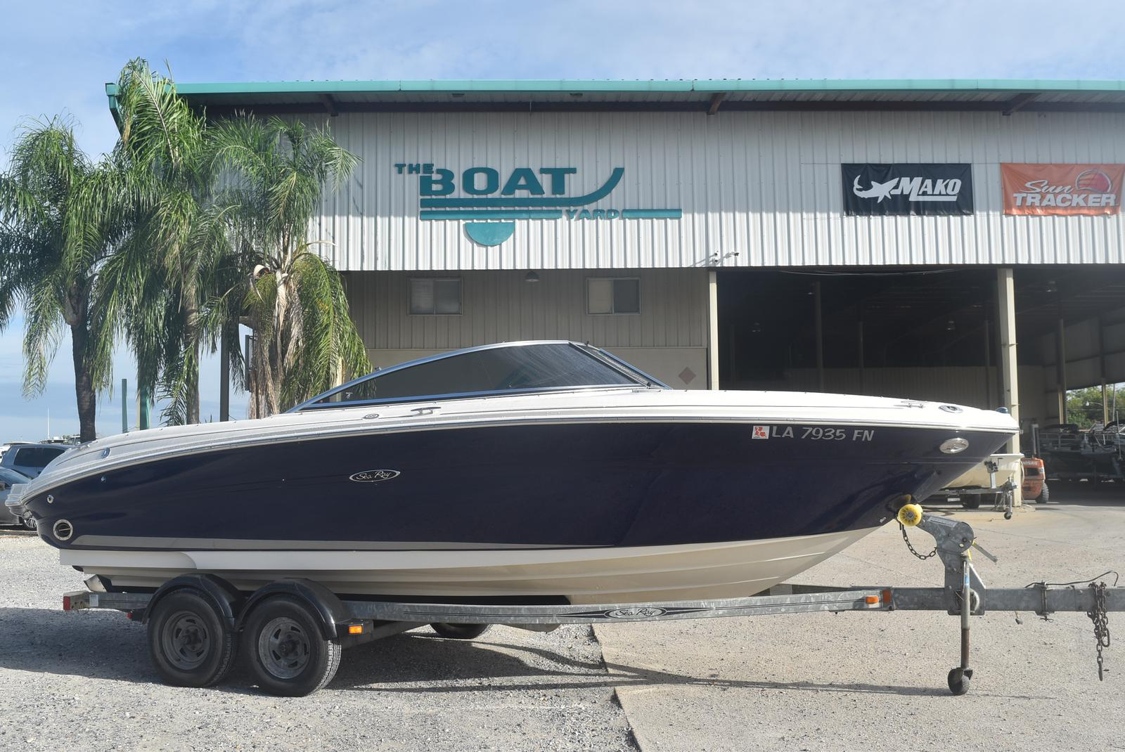 2006 Sea Ray boat for sale, model of the boat is 220 Select & Image # 1 of 17