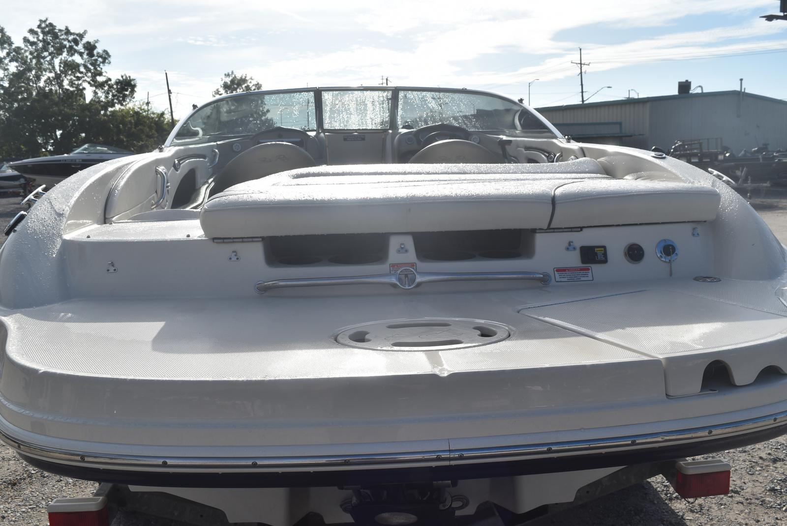 2006 Sea Ray boat for sale, model of the boat is 220 Select & Image # 11 of 17