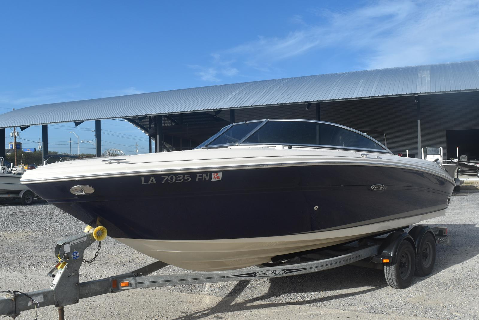2006 Sea Ray boat for sale, model of the boat is 220 Select & Image # 6 of 17