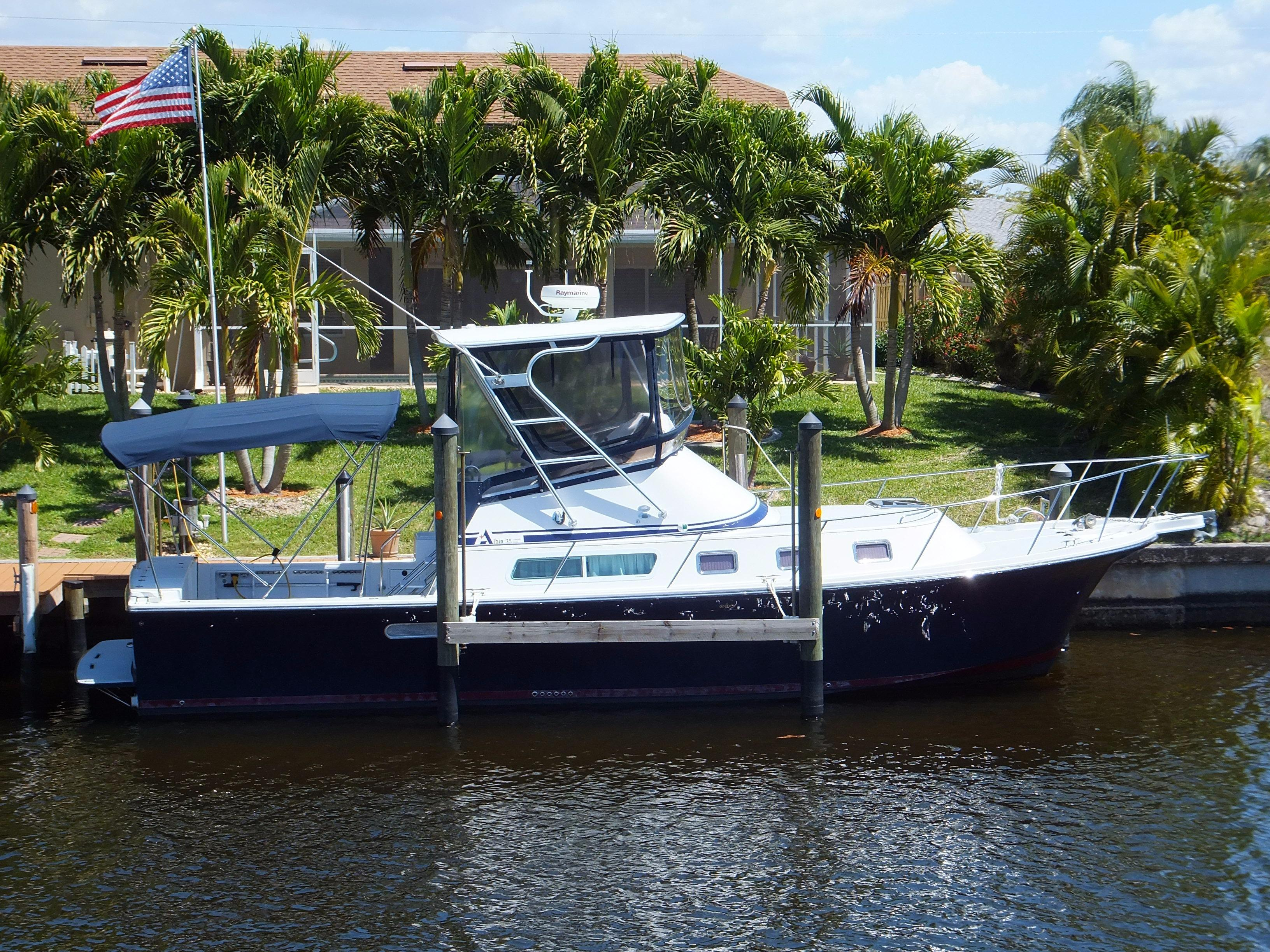 35' Albin 2006 35 Command Bridge