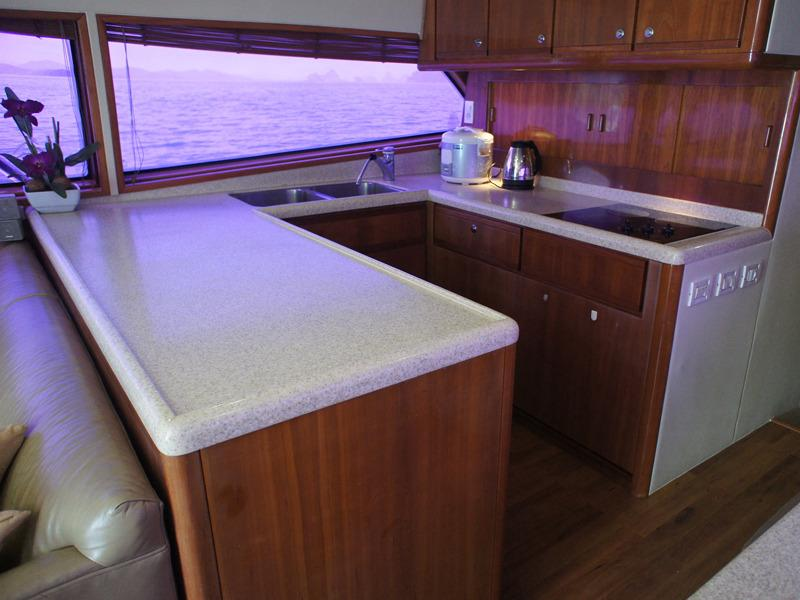 Bertram 510 - Galley