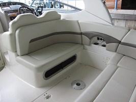 Chaparral 290 Signature - Cockpit saloon