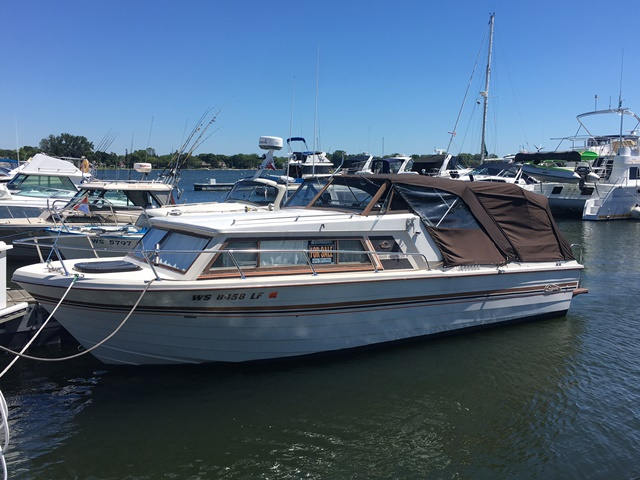 1980 Cruisers Yachts 257 BAR HARBOR