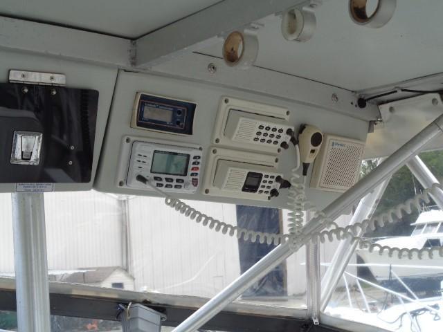 Rampage Sportfish - overhead electronics