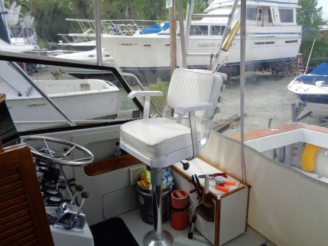 Rampage Sportfish - Capts seating
