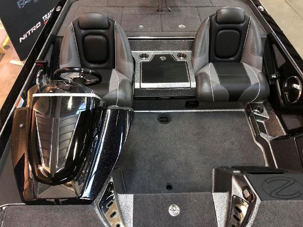 2020 Ranger Boats boat for sale, model of the boat is Z520C Ranger Cup Equipped & Image # 6 of 10