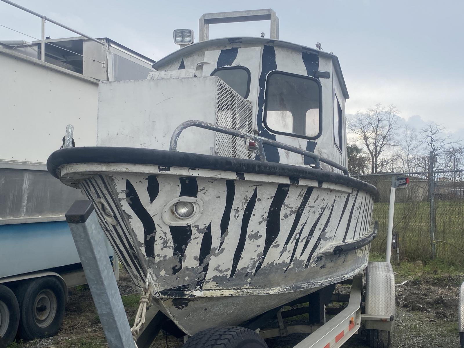 1982 Custom Aluminum boat for sale, model of the boat is 23 & Image # 2 of 5