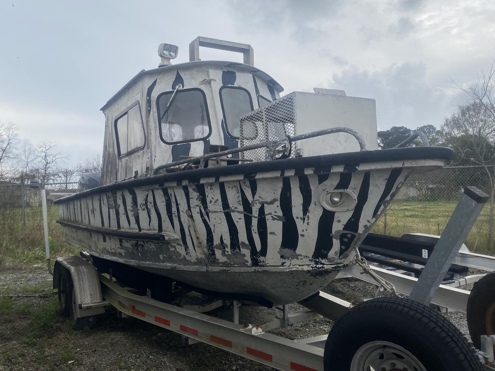 1982 Custom Aluminum boat for sale, model of the boat is 23 & Image # 4 of 5