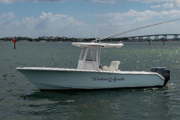 2014 25' Sea Hunt Gamefish 25