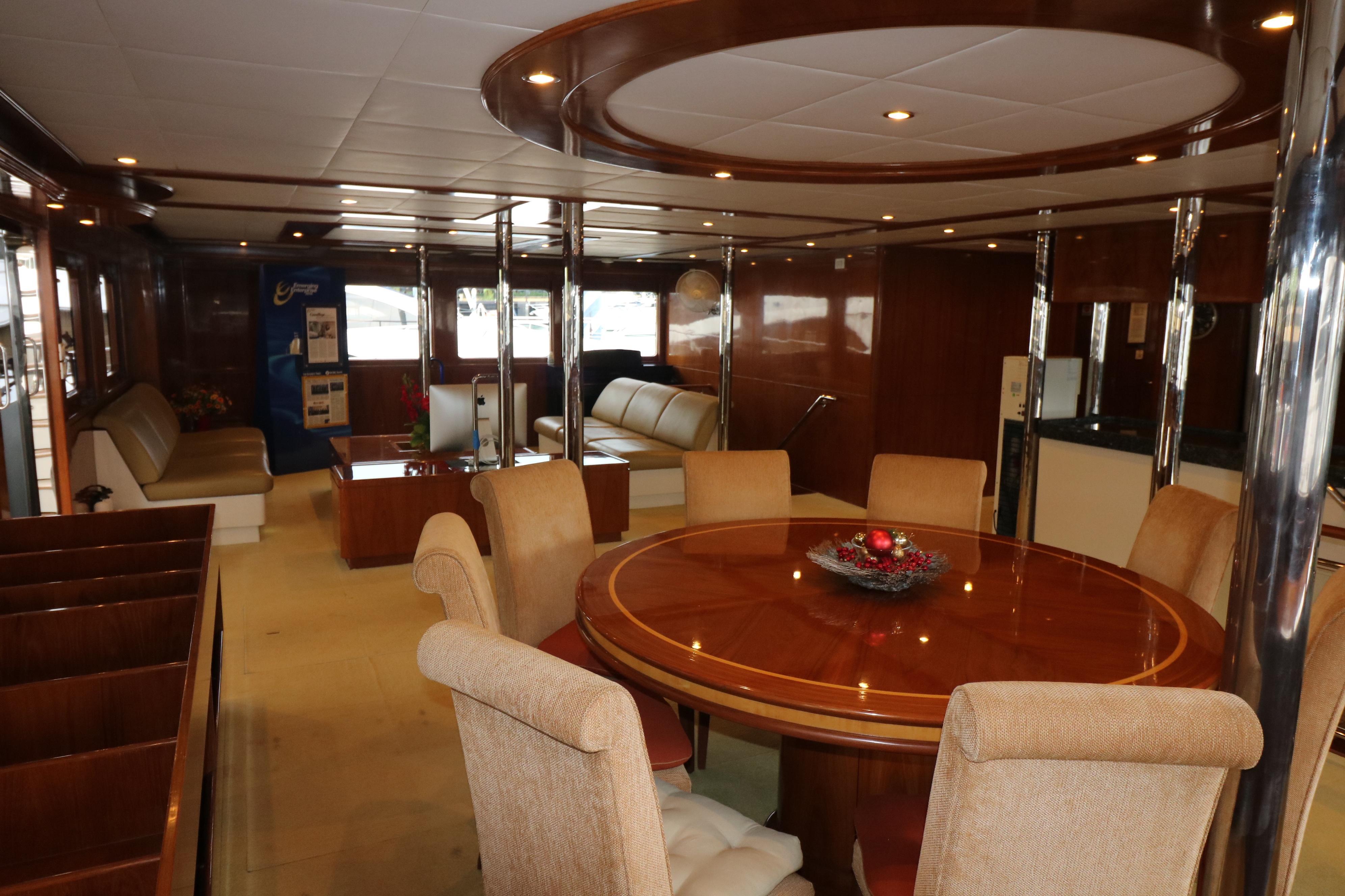 77 Power Catamaran-15