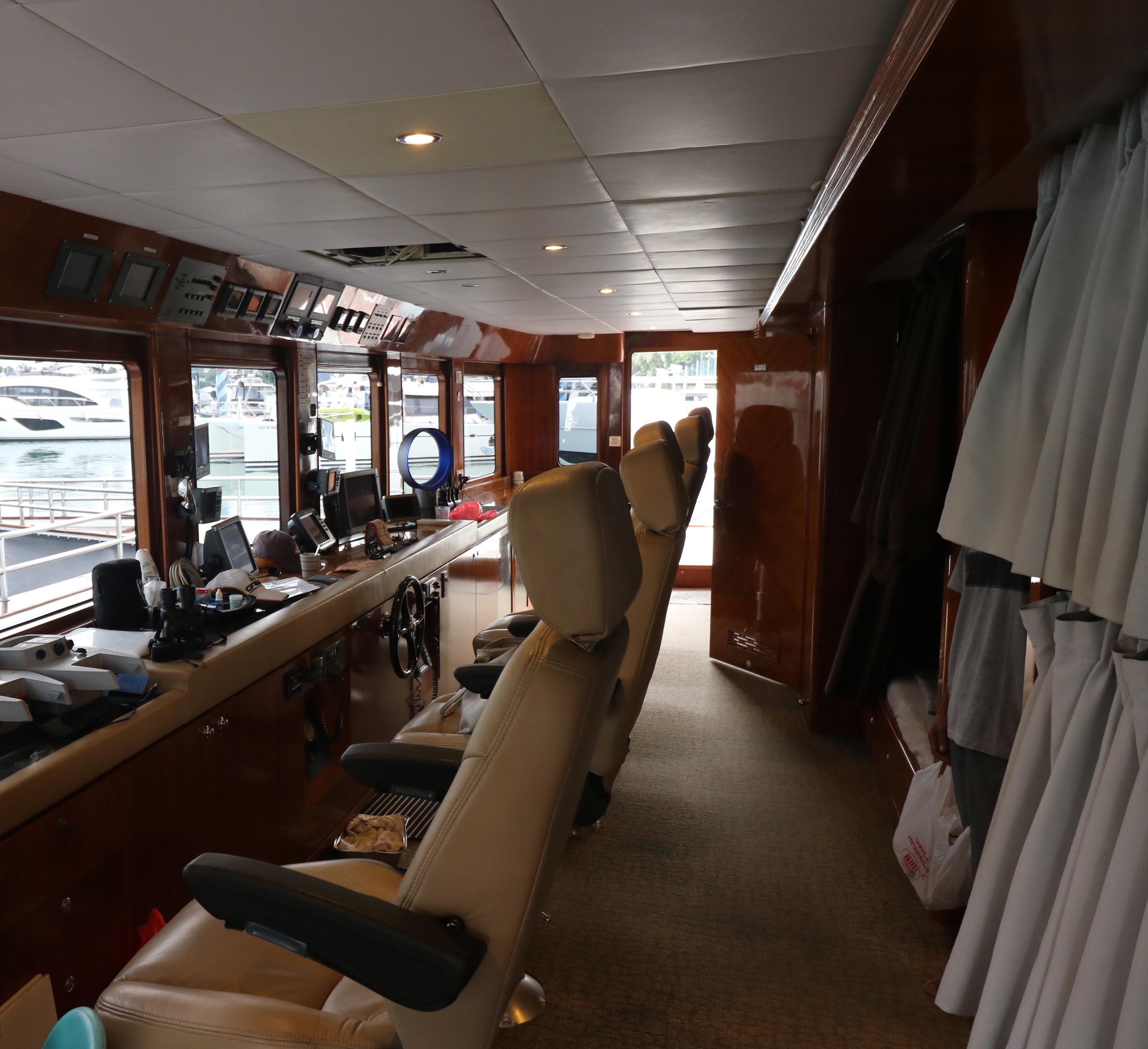 77 Power Catamaran-30