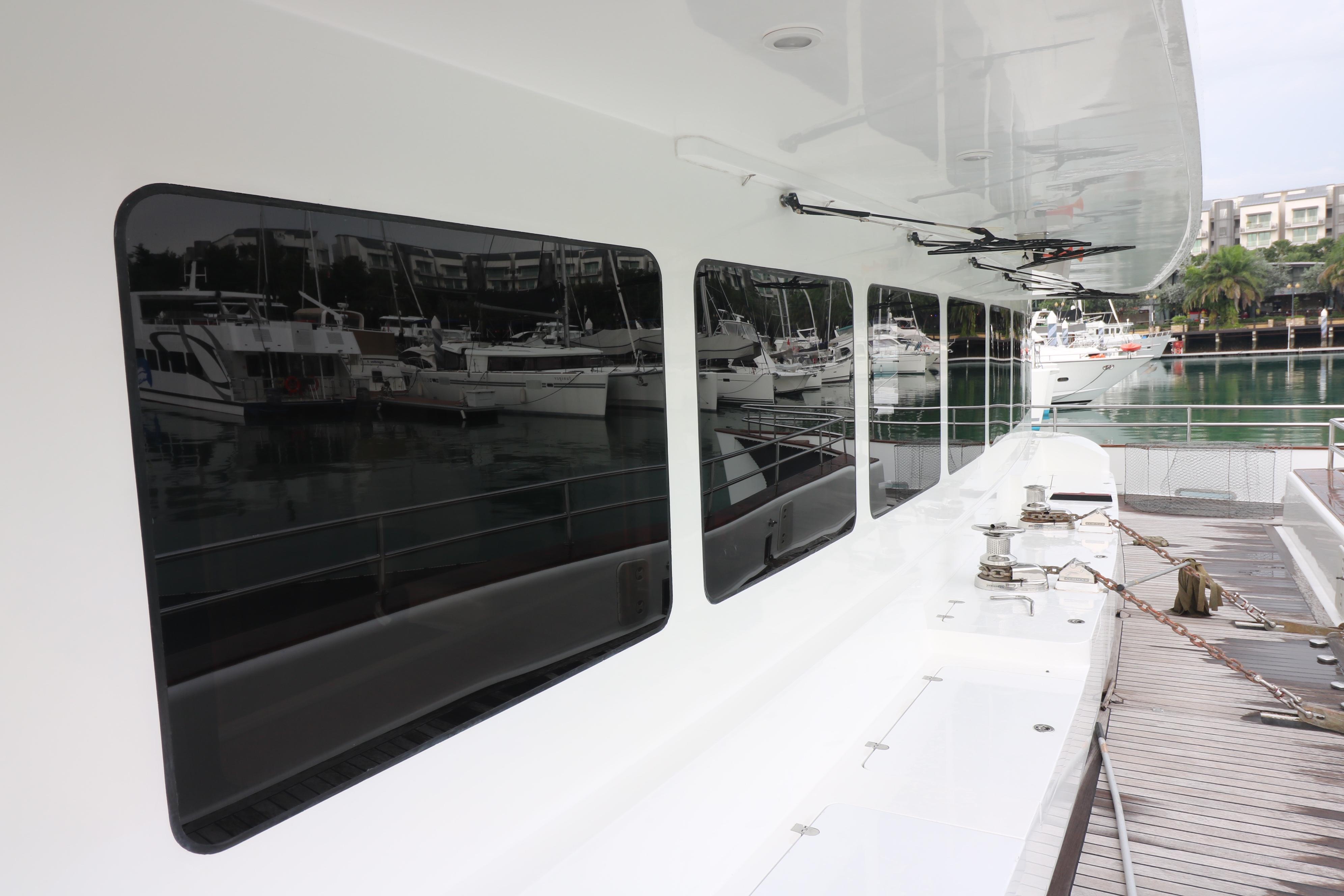 77 Power Catamaran-4