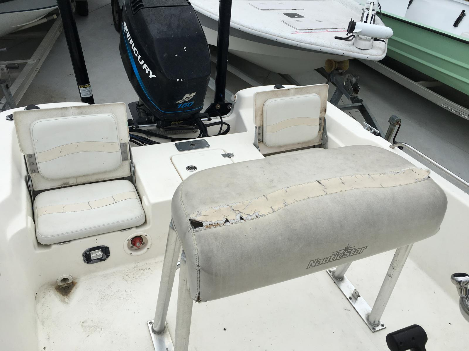 2006 Nautic Star boat for sale, model of the boat is 2110 & Image # 6 of 11