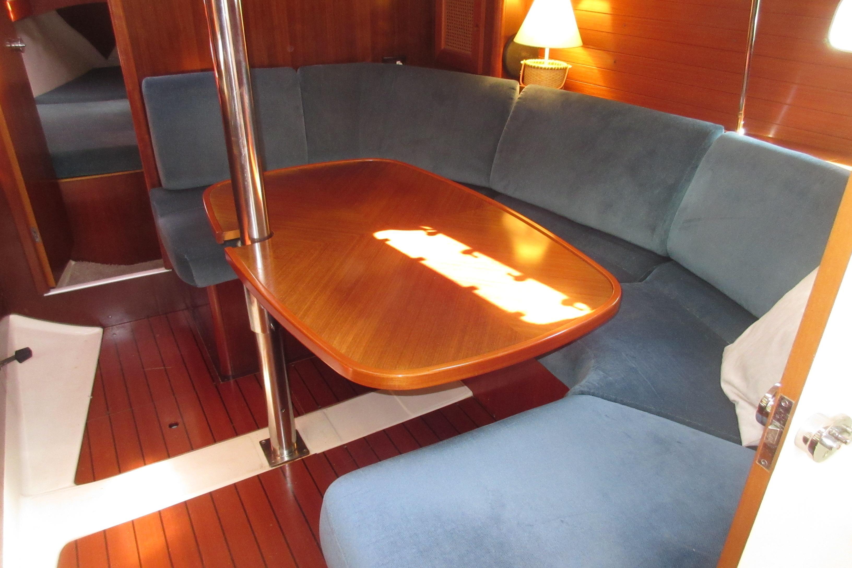 Boat Details - Cape Yachts  83aece444ec9f