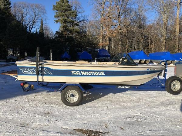 1986 Nautique boat for sale, model of the boat is Ski Nautique & Image # 1 of 25