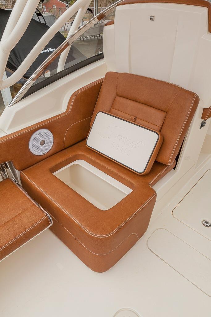 Scout Boats255 Dorado
