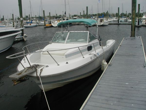 1988 Chris-craft Seahawk 218 Wa. 22 ft 0 in / 6.71 m. Busters Marine Service