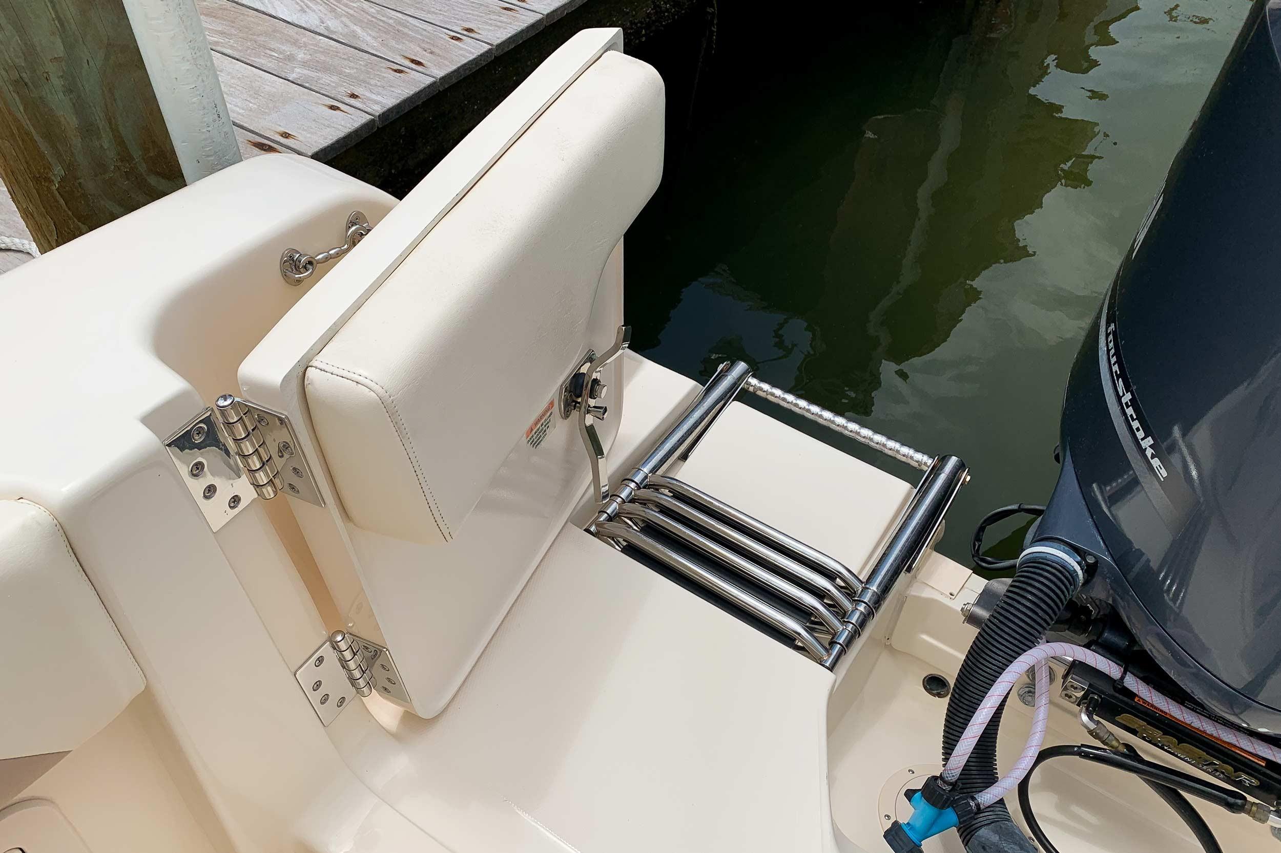 2014 Grady-White 307 Freedom 30' Dual Console