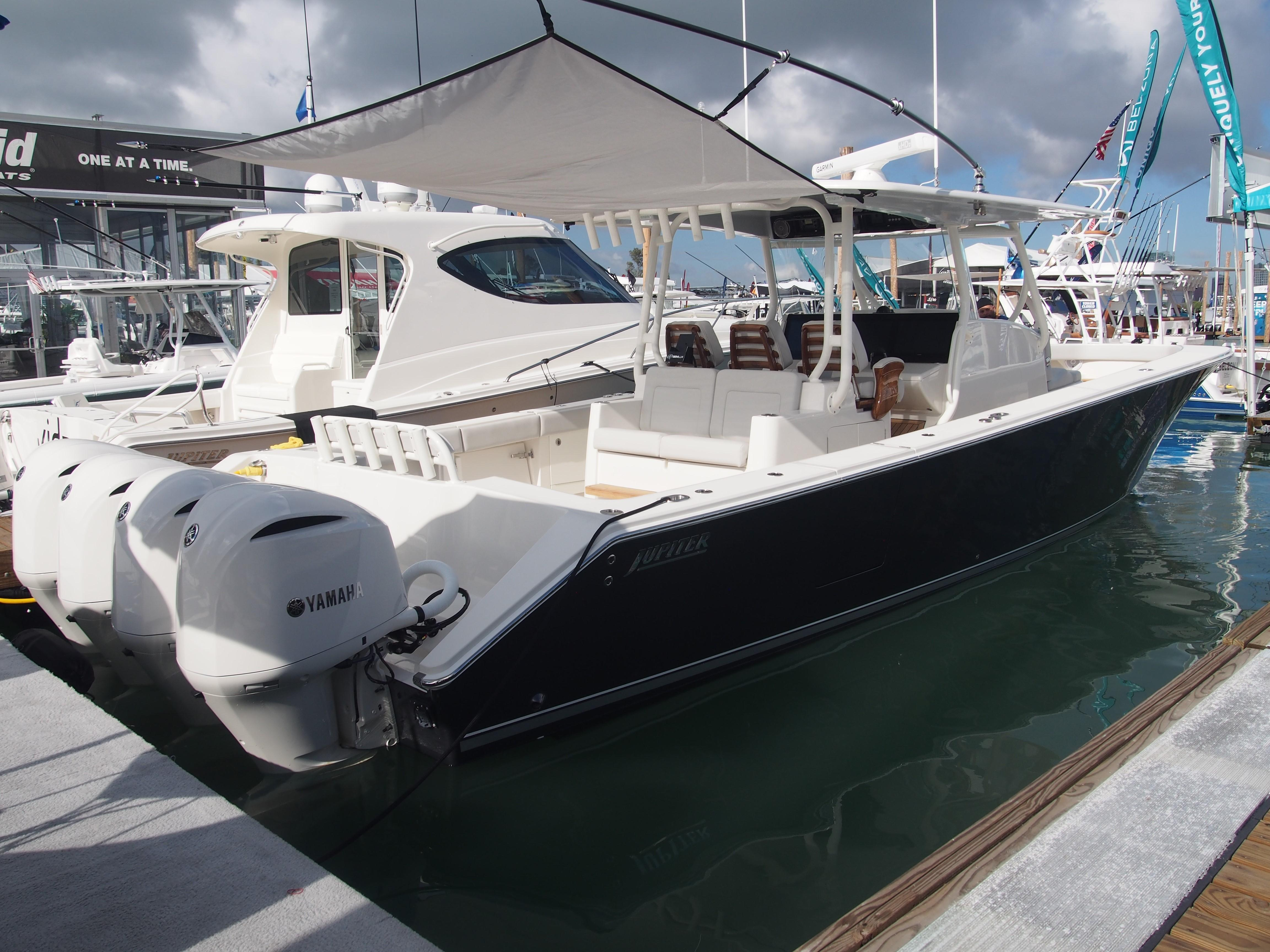 New and Used Boat Sales - Edgewater, Sea Ray and Cobia
