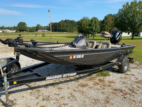 2010 War Eagle boat for sale, model of the boat is 761 Renegade & Image # 2 of 10
