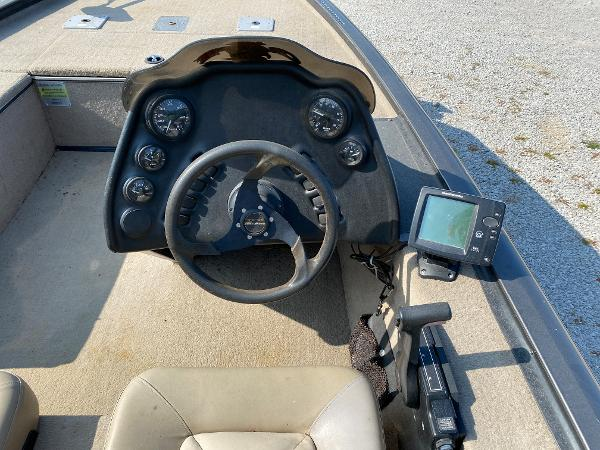 2010 War Eagle boat for sale, model of the boat is 761 Renegade & Image # 10 of 10