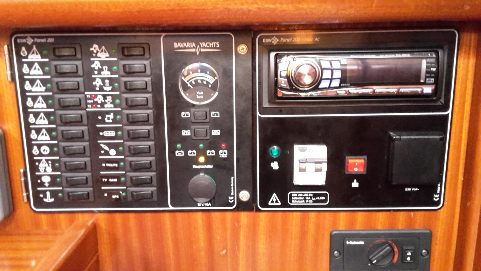 Bavaria 32 switch panel