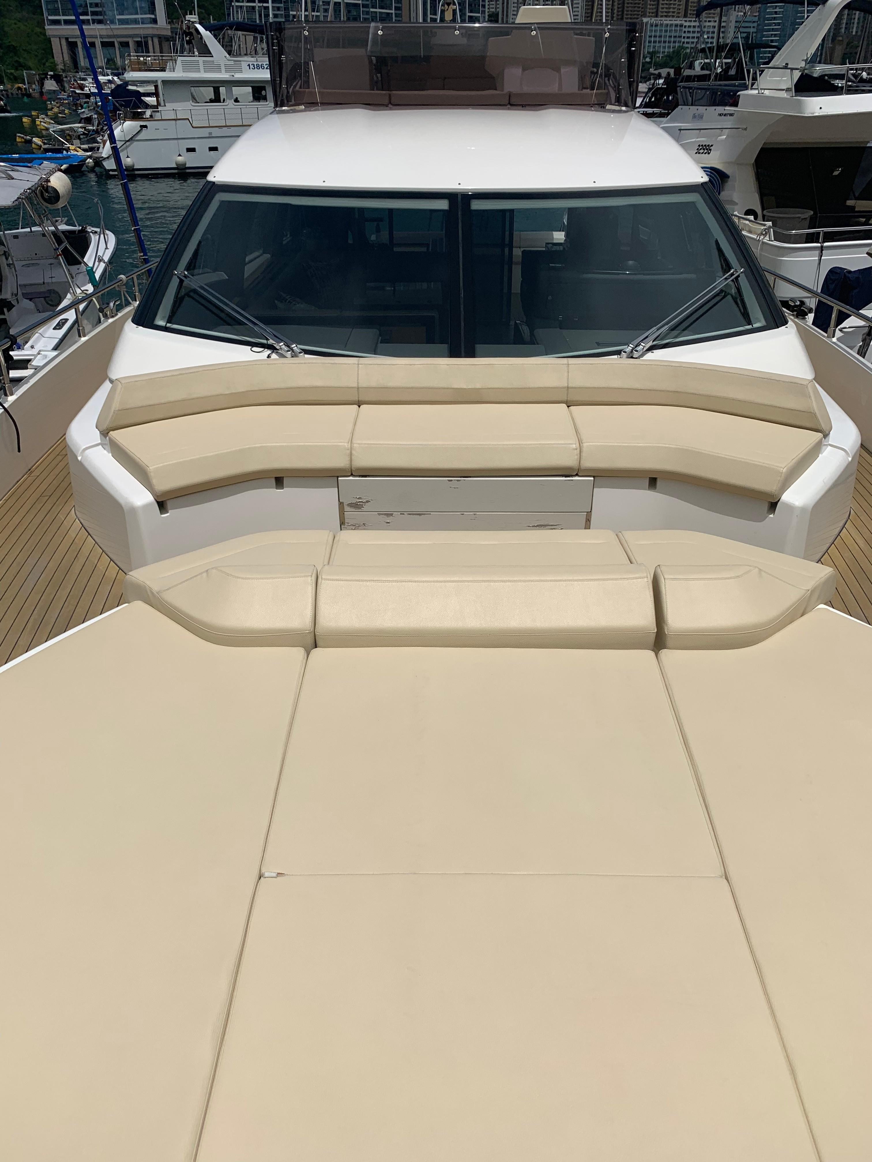 Ferretti 550 Bow Seating