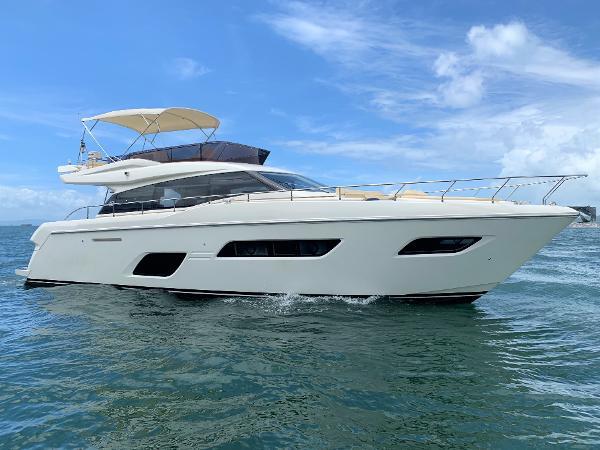 Ferretti 550 Profile