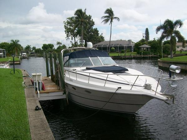 36' CRUISERS INC 1989  3670 Esprit