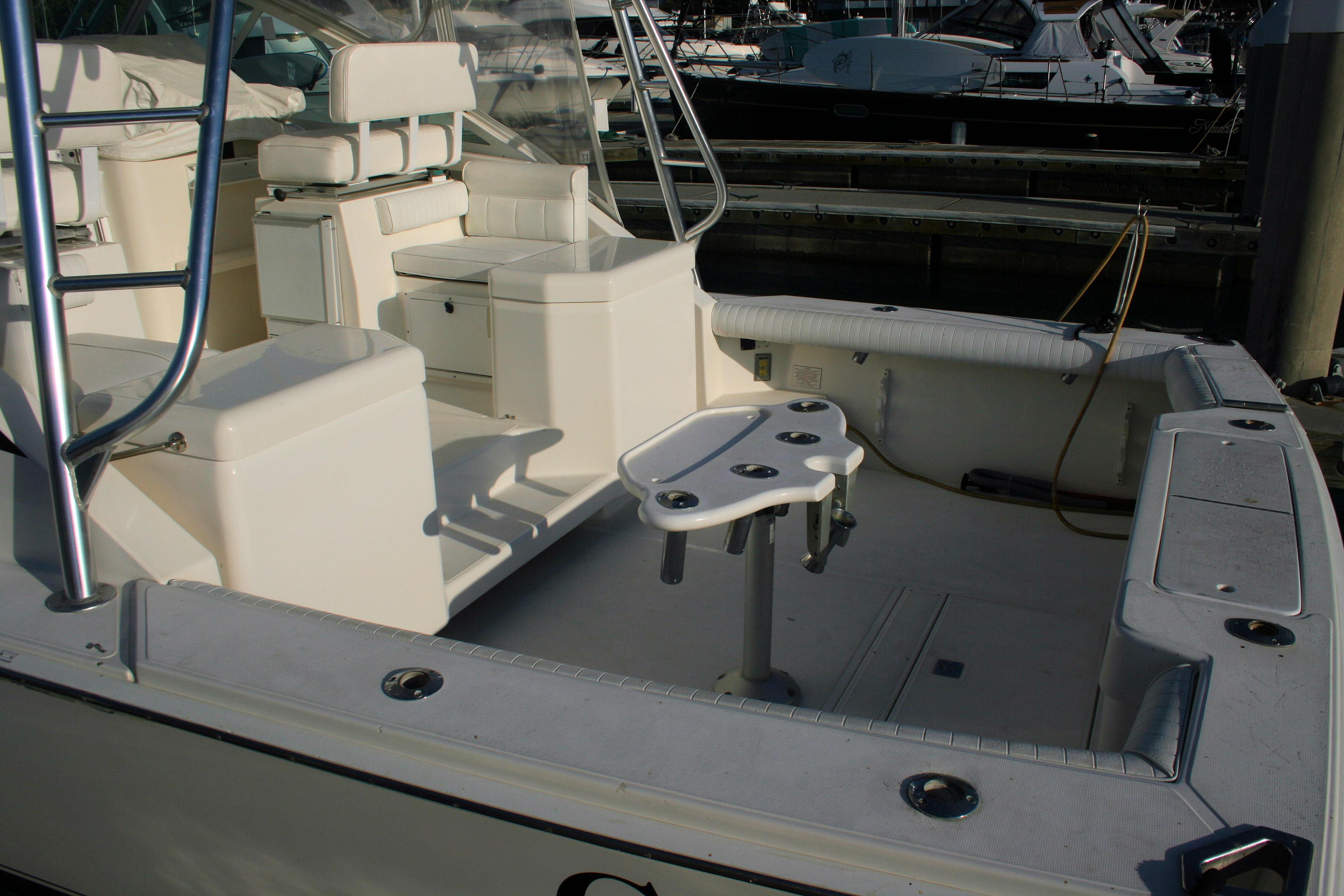 BAIT TANK AND REFRIGERATED BOX