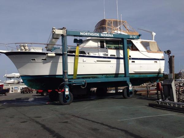 Hatteras 53 Motor Yacht Sell New England
