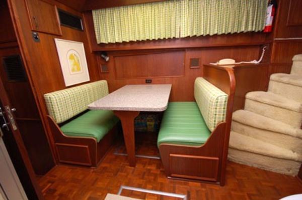 Hatteras 53 Motor Yacht Brokerage Connecticut