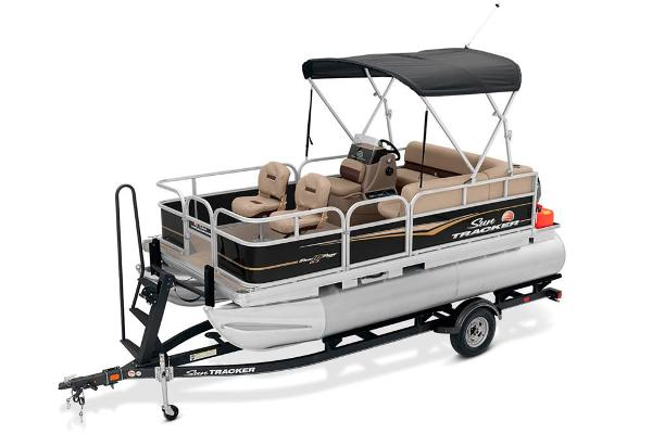 2020 Sun Tracker boat for sale, model of the boat is Bass Buggy 16 DLX & Image # 2 of 33