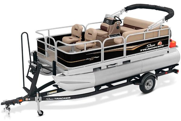 2020 Sun Tracker boat for sale, model of the boat is Bass Buggy 16 DLX & Image # 4 of 33