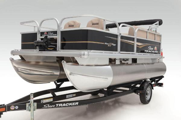 2020 Sun Tracker boat for sale, model of the boat is Bass Buggy 16 DLX & Image # 10 of 33