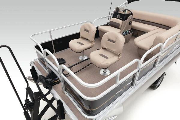 2020 Sun Tracker boat for sale, model of the boat is Bass Buggy 16 DLX & Image # 17 of 33