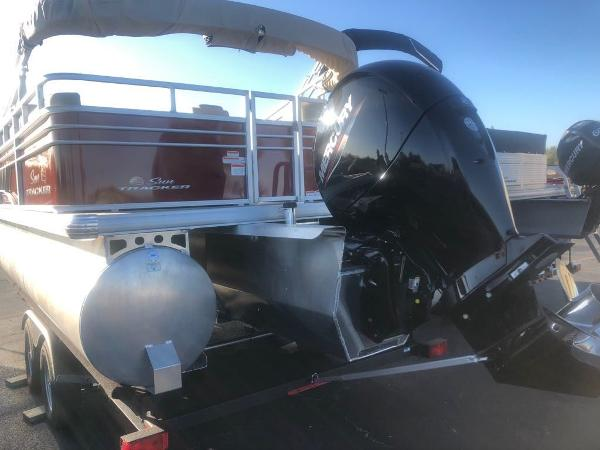 2020 Sun Tracker boat for sale, model of the boat is PB22RFX3 & Image # 3 of 5