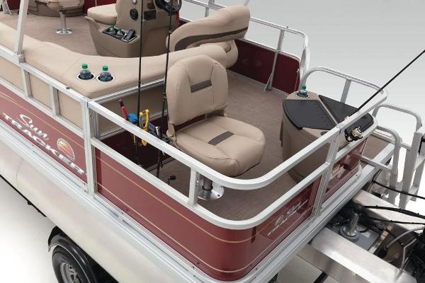 2021 Sun Tracker boat for sale, model of the boat is Bass Buggy 18 DLX & Image # 43 of 52
