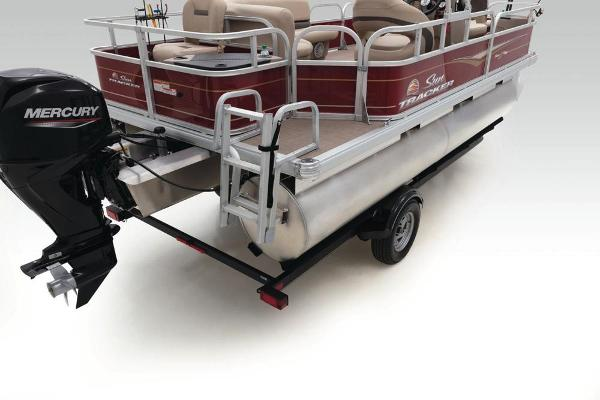 2021 Sun Tracker boat for sale, model of the boat is Bass Buggy 18 DLX & Image # 44 of 52