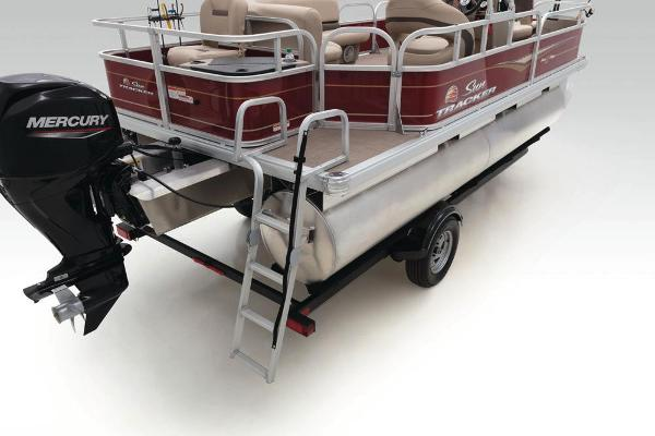 2021 Sun Tracker boat for sale, model of the boat is Bass Buggy 18 DLX & Image # 45 of 52