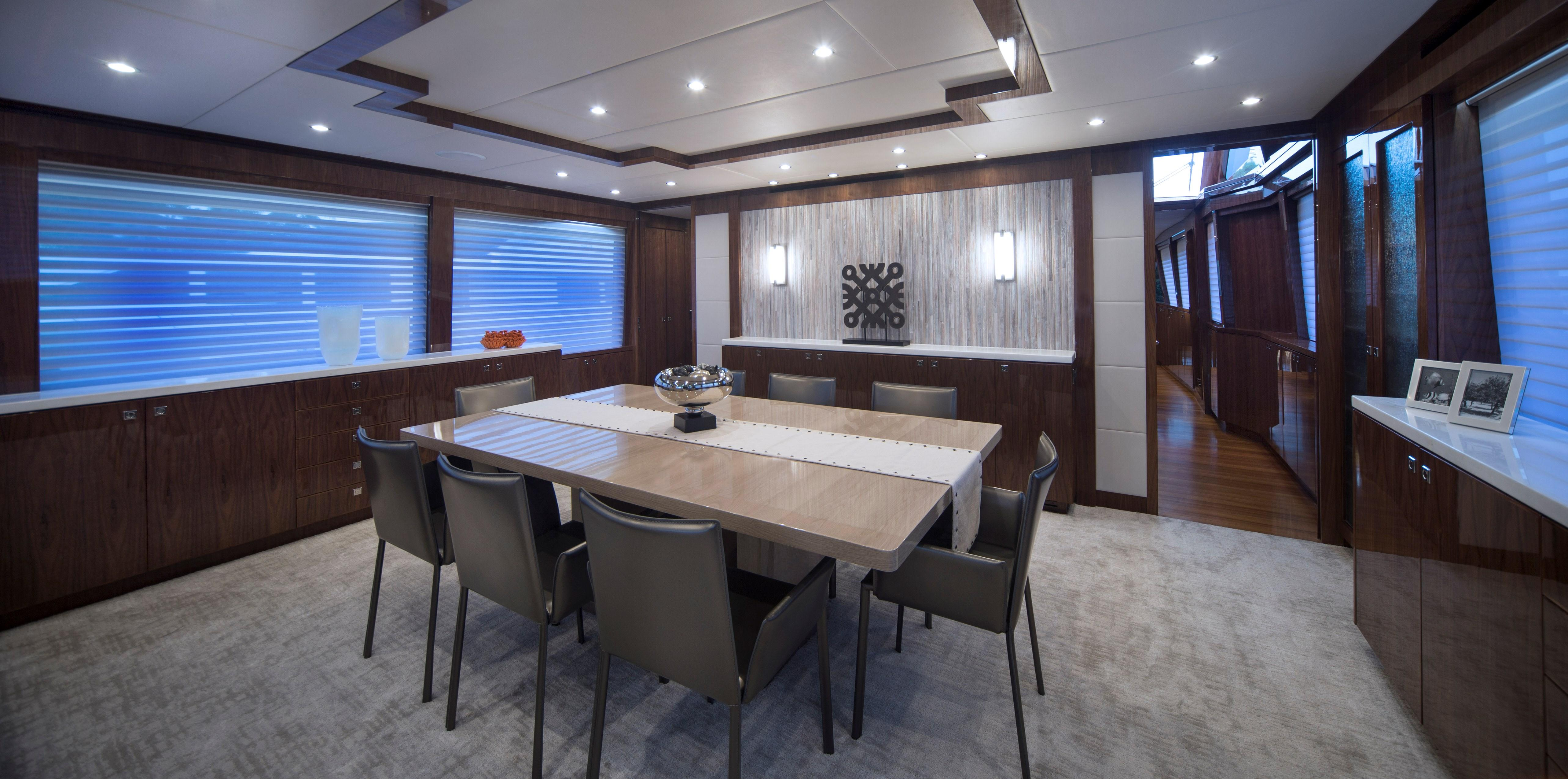 100 Hargrave Raised Pilothouse Dining Room