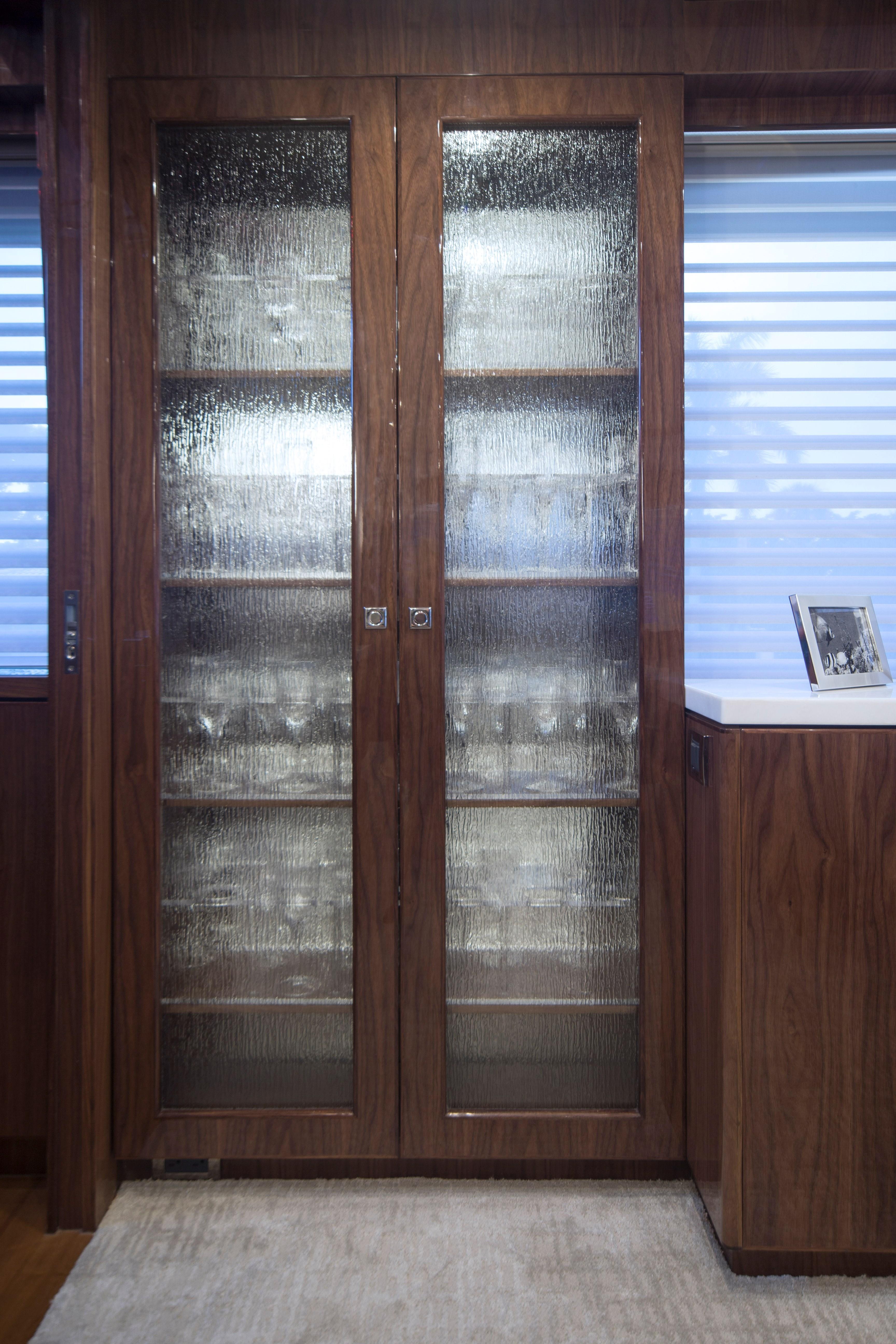 100 Hargrave Raised Pilothouse Salon Cabinet