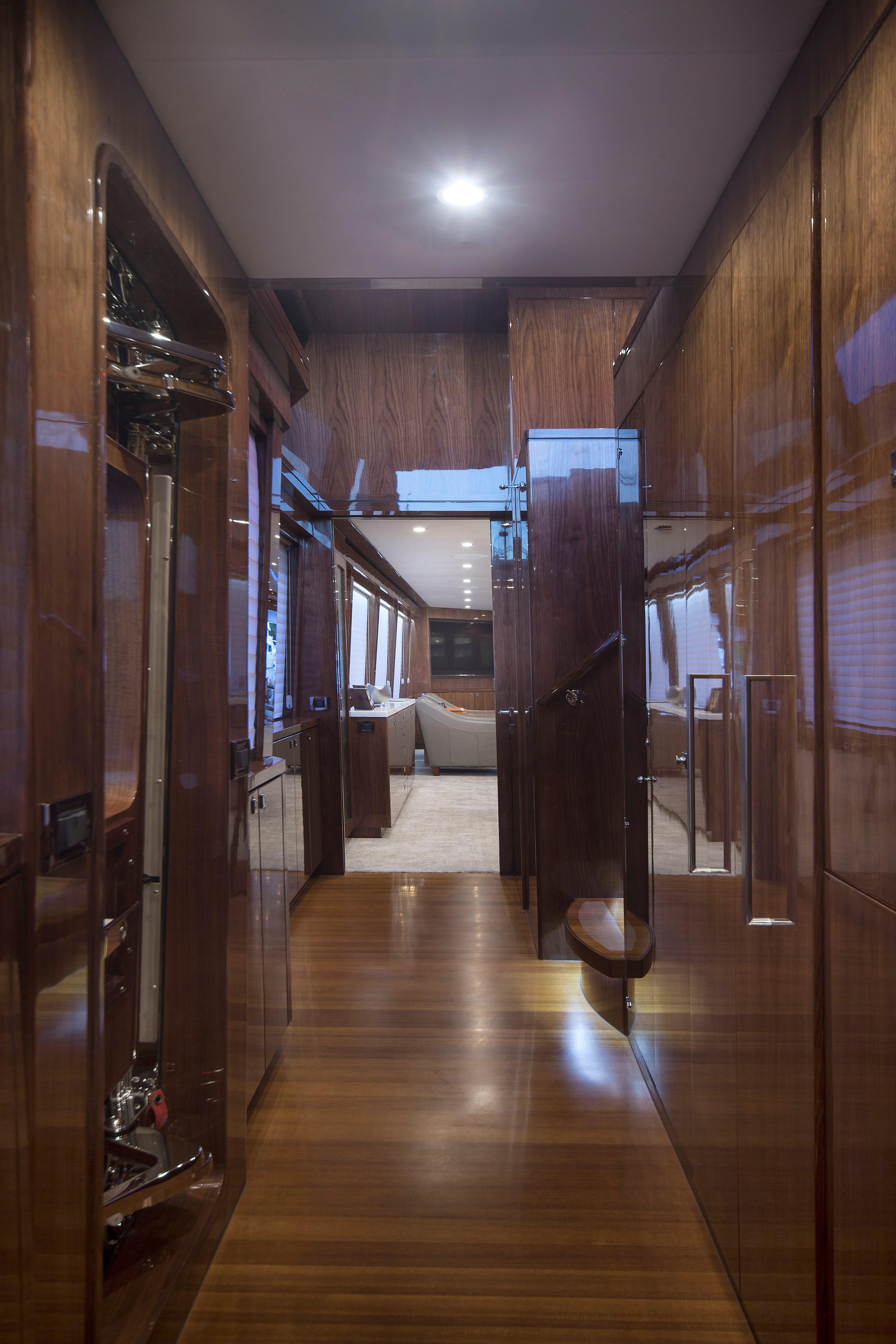 100 Hargrave Raised Pilothouse Companionway