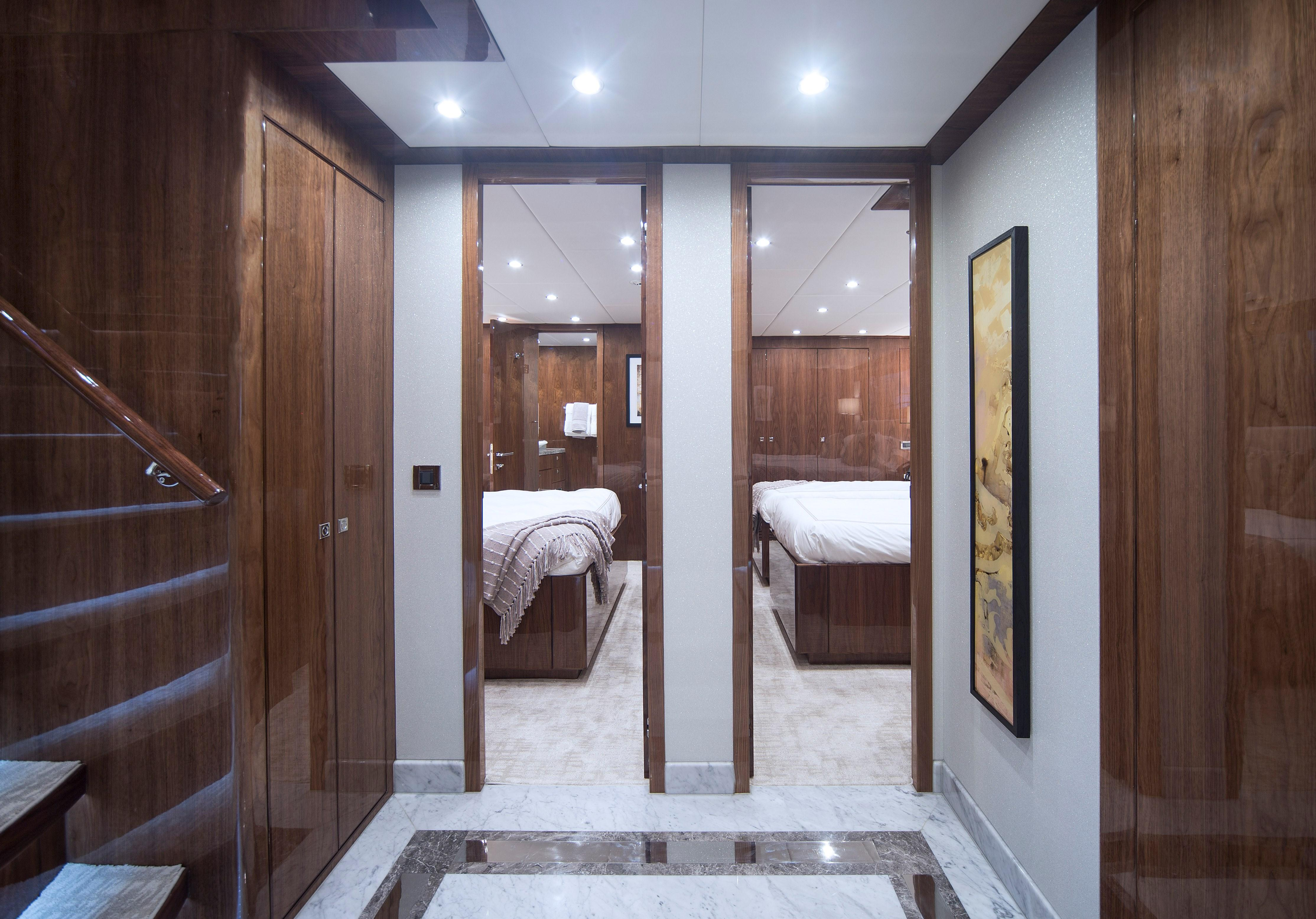 100 Hargrave Raised Pilothouse Staterooms