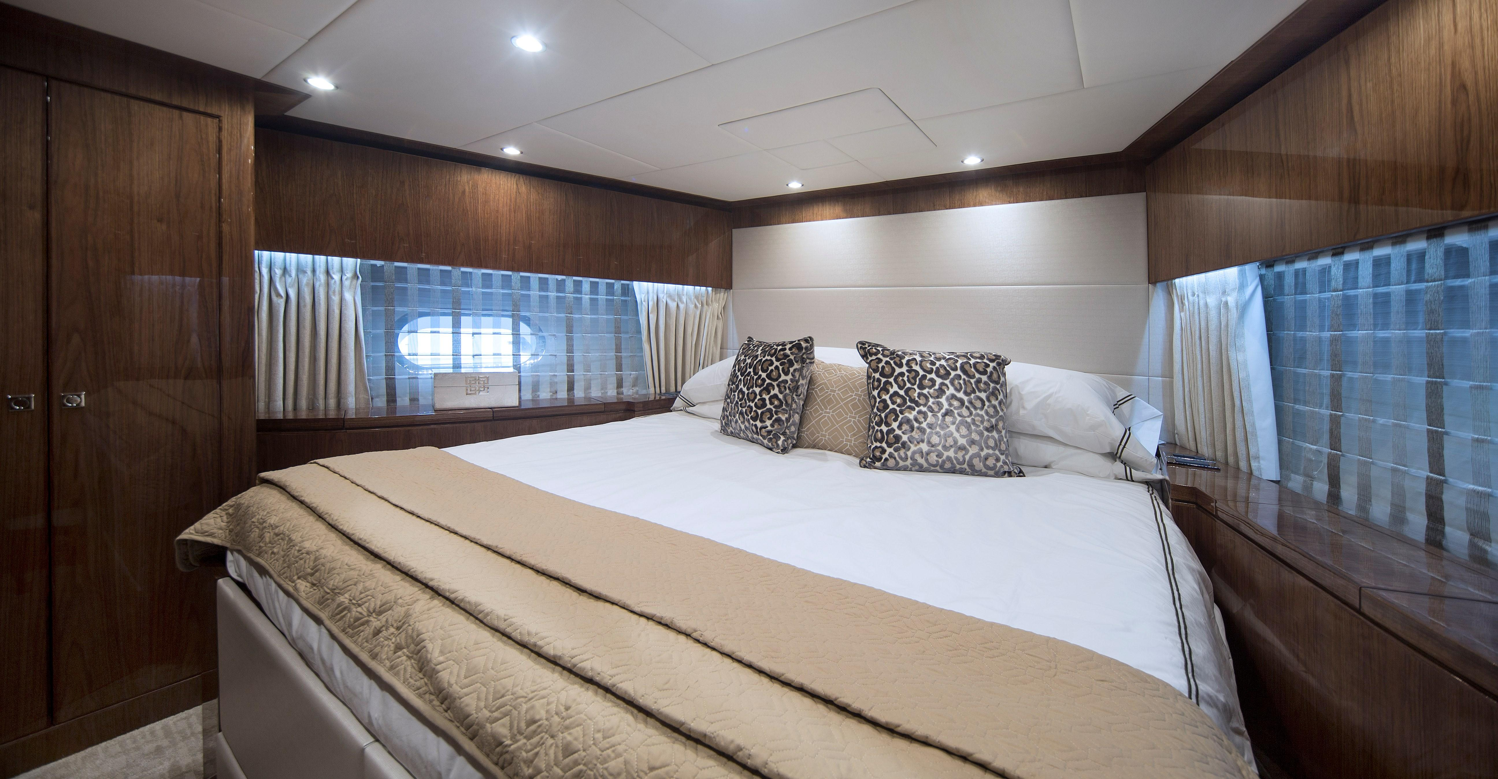 100 Hargrave Raised Pilothouse Forward Guest Stateroom