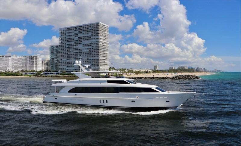 100 Hargrave Raised Pilothouse