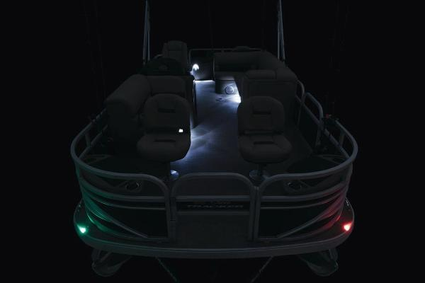 2021 Sun Tracker boat for sale, model of the boat is Fishin' Barge 20 DLX & Image # 9 of 51