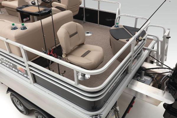 2021 Sun Tracker boat for sale, model of the boat is Fishin' Barge 20 DLX & Image # 37 of 51