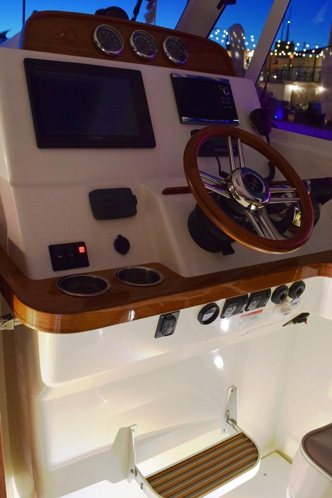 Hunt YachtsSurfhunter 32'